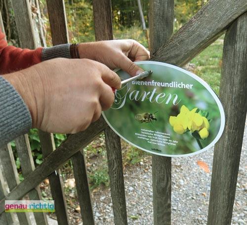 Schild bienenfreundlicher garten genau richtig for Bienenfreundlicher garten